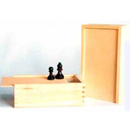 Box with large sliding top lid for storing chess pieces