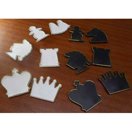 Spare parts wooden wall chess white/black