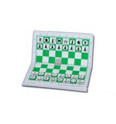 Magnetic pocket chess set
