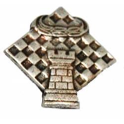 Diversos models de pins d'escacs.