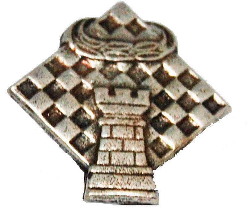 Pin escacs 4