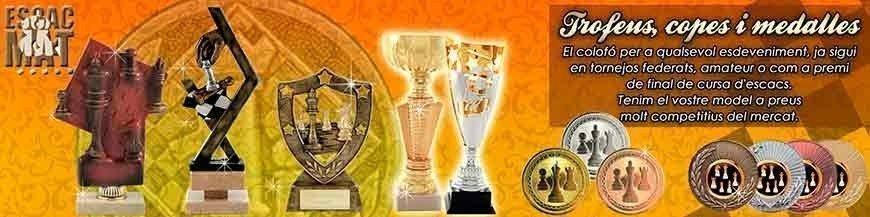 Copas, trofeos y medallas con motivos de ajedrez